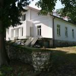 Komarowice. Dawny dwór po przebudowie z początku XXI w.