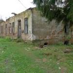 Lacka Wola. Ruiny spalonego dworu znajdującego się w rękach prywatnych.