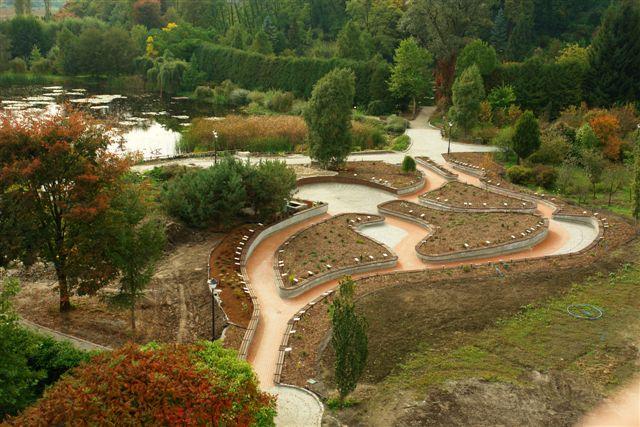 Ogród sensualny – Arboretum i Zakład Fizjografii w Bolestraszycach – oficjalna strona