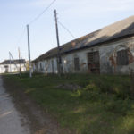 Hruszów (ukr. Грушів). Budynek stajni na terenie dawnego folwarku.
