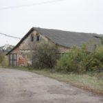 Bobiatyn (ukr. Боб'ятин). Budynek gospodarczy na terenie dawnego folwarku.