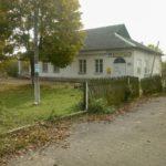 Czestynie (ukr. Честині). Dwór po remoncie użytkowany po 1945 roku jako szkoła, obecnie poczta i klub wiejski.