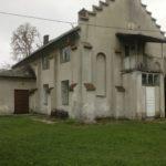 Skwarzawa Nowa (ukr. Нова Скварява). Dawny kościół rzymskokatolicki przebudowany na dom mieszkalny.